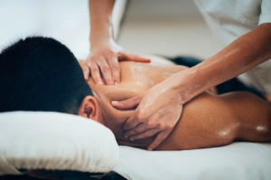 Why You Should Schedule Your Chiropractic Appointment BEFORE Your Massage